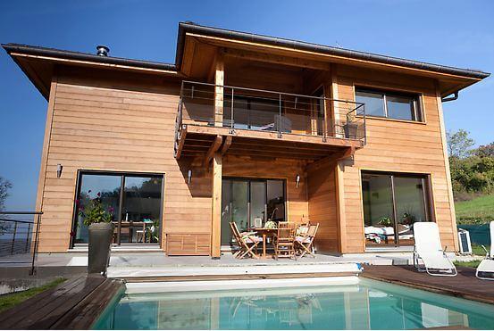 Maison d'architecte en bois avec piscine - Savoie